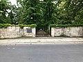 Ingang Invalidenfriedhof aan de Scharnhorststraße te Berlijn.jpg