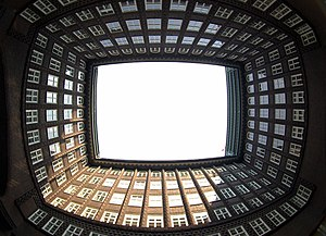 Chilehaus - Chilehaus: Inner courtyard