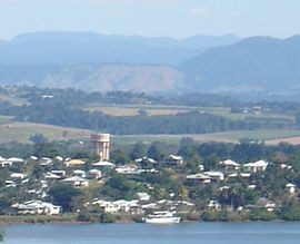 Innisfail Water Tower, a landmark in Innisfail, 2005.JPG
