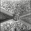 Interieur, detail van vijfde gewelf sluitsteen boven het hoogkoor, geteld van uit het oosten - 's-Hertogenbosch - 20424568 - RCE.jpg