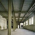 Interieur, overzicht van een ruimte in de fabriekshal - Maastricht - 20385941 - RCE.jpg