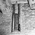 Interieur begane grond zuidvleugel ventilatie gaten in zuidmuur - Amsterdam - 20011464 - RCE.jpg