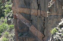 Intersecting Dikes in Black Canyon of the Gunnison.jpg