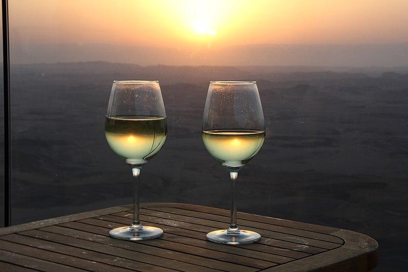 Israel Vin blanc.jpg