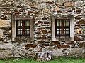 Janelas gémeas - Twin windows (19129857351).jpg