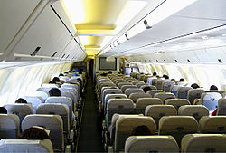 767 goo wikipedia for Interieur boeing 757