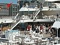Japanese people dancing - japonci tancují na lodi - panoramio.jpg