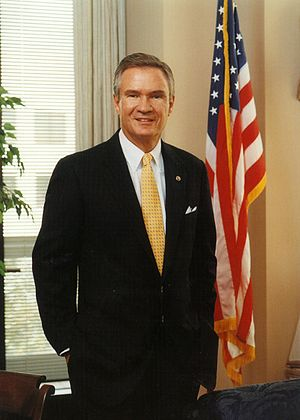 John Breaux - Image: John Breaux, official photo portrait, standing
