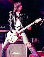 Johnny Ramone nel 1977 in Canada.