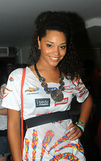 Juliana Alves 02.jpg
