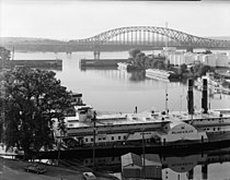 Julien Dubuque Bridge 066951pr.jpg