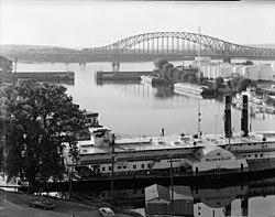 Puente Julien Dubuque 066951pr.jpg