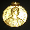KHM Wien 32.481 - Germanic Valens medal, 378 AD or later.jpg