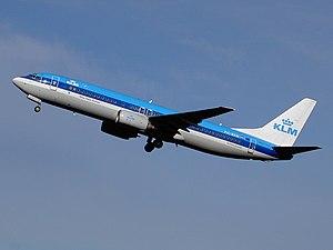 KLM Boeing 737-800 PH-BXN 2005.jpg