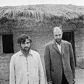 Kamp van Angolese Bevrijdingsbeweging FNLA in Zaire, twee Portugese gevangen in , Bestanddeelnr 926-6269.jpg