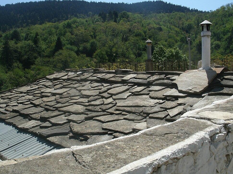 Kastanitsa roof