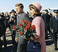 Kennedys arrive at Dallas 11-22-63 (cropped1).JPG