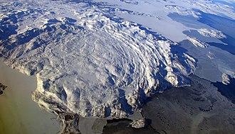 Kiglapait Mountains - Kiglapait Mountains circular structure and Labrador coast
