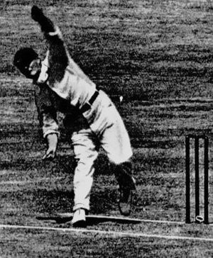 Roy Kilner - Image: Kilner bowling 1925