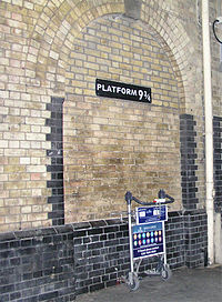 King'sCross platform9¾.jpg