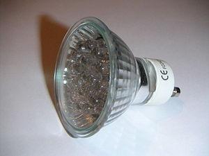 Deutsch: LED Lampe mit GU10 Sockel - selbst fo...