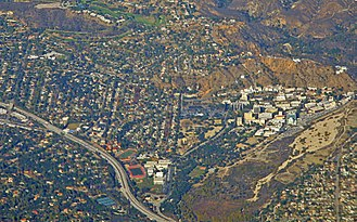 La Cañada Flintridge, California - La Cañada Flintridge,  the Foothill Freeway, and, on the right, the Jet Propulsion Laboratory, 2014