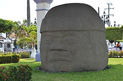 La Cobata colossal head