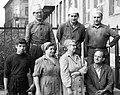Labor MIM dolgozók csoportképe, 1969. Fortepan 25652.jpg