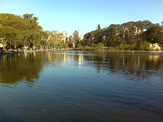 Parque Centenario - The swan lake.