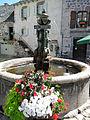 Laguiole - Fontaine près de la mairie.JPG