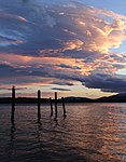 Lake Te Anau Evening 3 (31544181061).jpg
