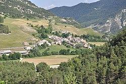 Lambruisse, le village.jpg