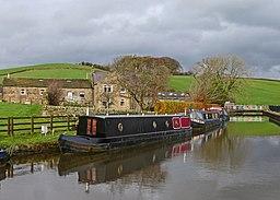 Leeds & Liverpool Canal, Skipton (15589898559)