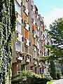 Leipzig Plattenbau Balkonseite.jpg
