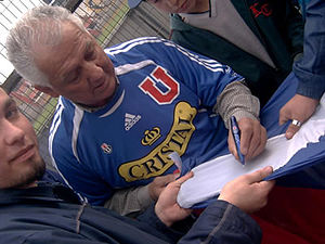 Club Universidad de Chile - Leonel Sánchez is still popular among the fans.