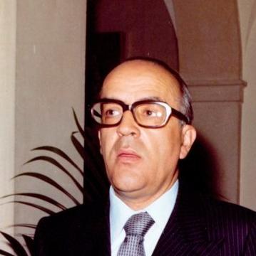 File:Leopoldo Calvo-Sotelo discutiendo con Ignacio Bayon.tif