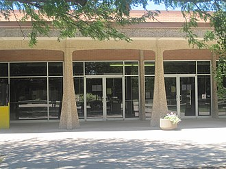 Garden City Community College - Thomas F. Saffell Library