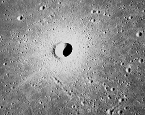 Linné (crater) - Image: Linné crater moon