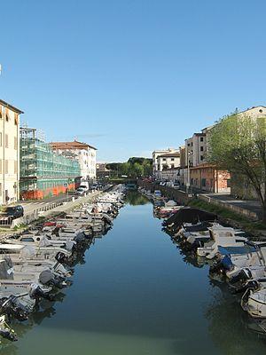 Navicelli channel - Canale dei Navicelli in Livorno nearby  Dogana d'Acqua
