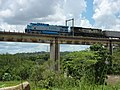 Locomotiva de comboio que passava sentido Boa Vista pela ponte ferroviária sobre o Rio Tietê em Salto - Variante Boa Vista-Guaianã km 206 - panoramio (3).jpg