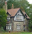 Lodge, Crow Nest Park, Dewsbury (8048244054).jpg
