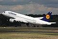 Lufthansa A320 D-AIQB.jpg