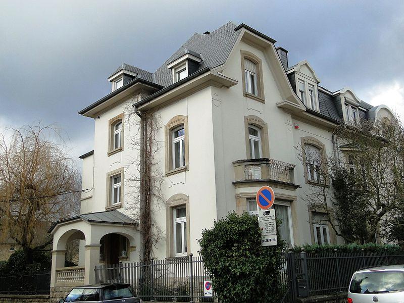 File luxembourg 38 rue albert 1er 2 jpg wikimedia commons for Maison moderne luxembourg wikipedia