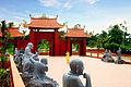 Một số tượng La Hán.jpg