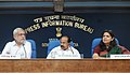 M. Veerappa Moily announces launch of Direct Benefit Transfer for LPG scheme in 20 Districts, at a press conference, in New Delhi. The Secretary, Ministry of Petroleum & Natural Gas.jpg
