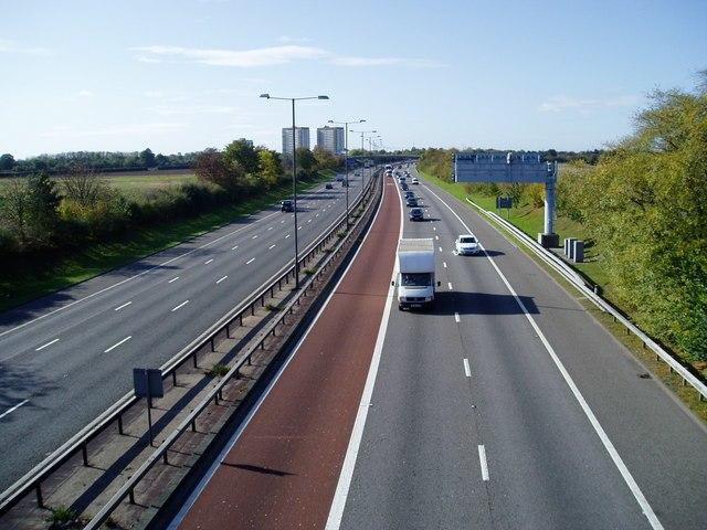 M4 bus lane 1017020