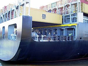 MSC Stella astern p2 11-Apr-2005.jpg