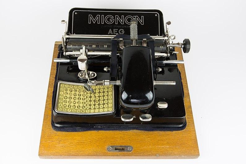 Machine à écrire Mignon.jpg