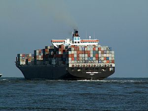 Maersk Kyrenia p4, leaving Port of Rotterdam, Holland 12-Mar-2006.jpg