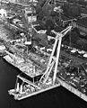Magyar Hajó- és Darugyár Angyalföldi gyáregység. AMAPA, 200 tonnás, önjáró, billenőgémes úszódaru. Fortepan 26426.jpg